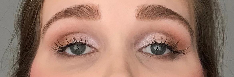 I-heart-makeup-Revolution-surprise-egg-angel-look-eyes-open