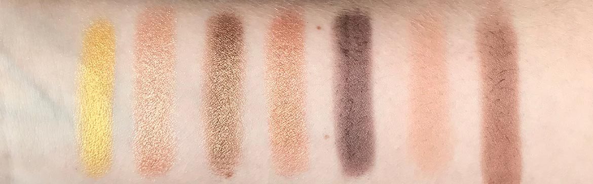 I-heart-makeup-Revolution-surprise-egg-gold-swatch