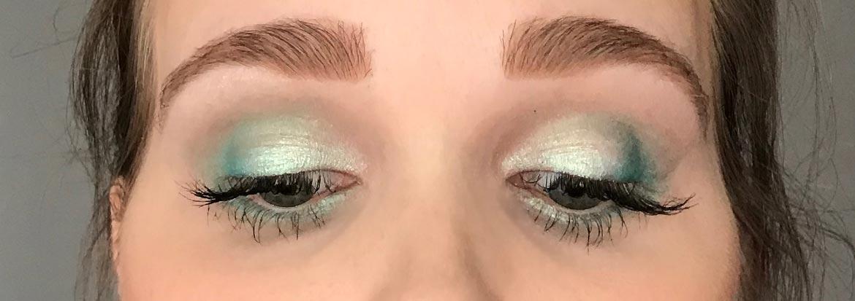 I-heart-makeup-Revolution-surprise-egg-mermaid-look-eyes-closed