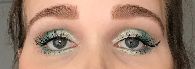 I-heart-makeup-Revolution-surprise-egg-mermaid-look-eyes-open