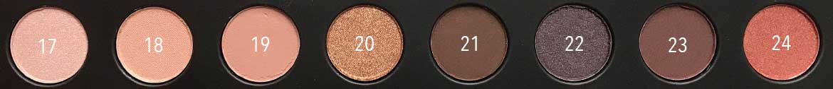 Max-&-More-24-eyeshadows-palette-03-rose-action-row-3