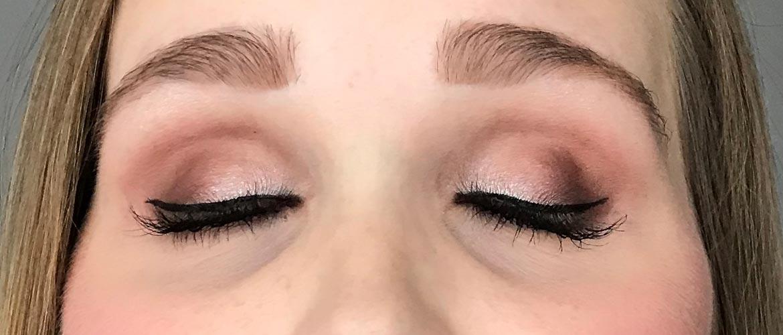i-heart-make-up-golden-bar-palette-look-1-eyes-closed-second
