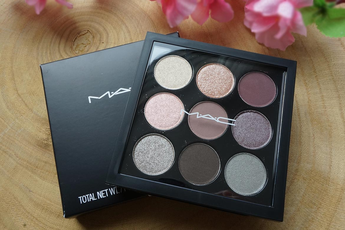 MAC-eye-shadow-X9-Solar-Glow-Times-Nine-1