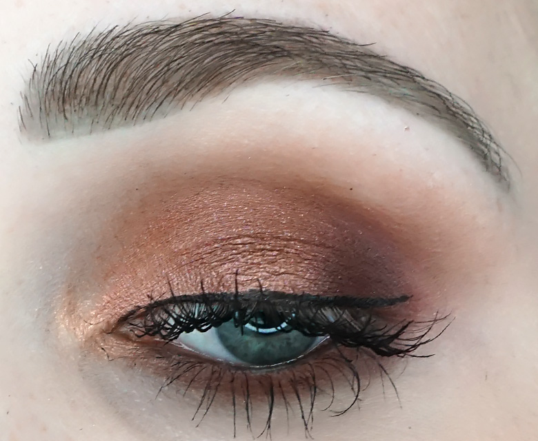 anastasia-abh-eye-shadow-palette-soft-glam-look-4