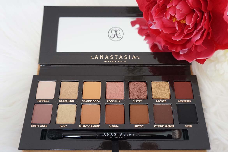 Anastasia Soft Glam eyeshadow palette review