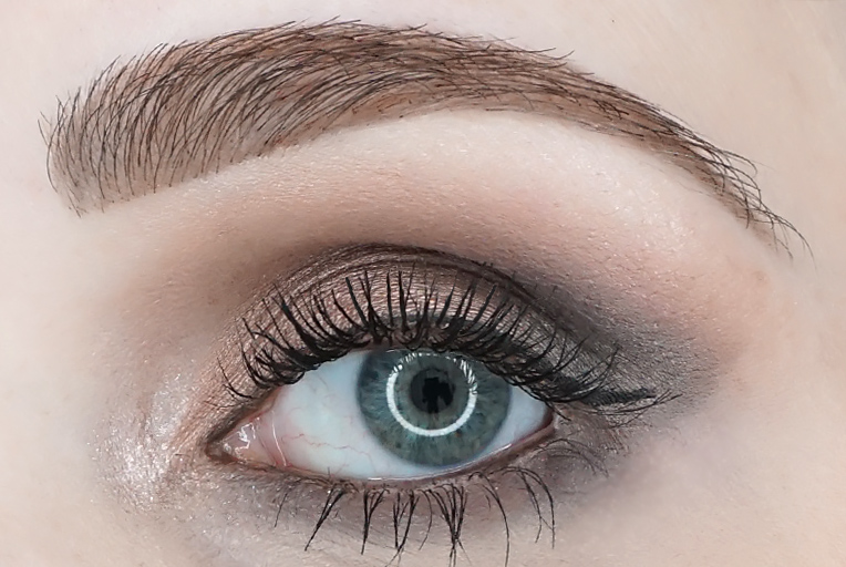 MAC-eye-shadow-X9-Dusky-Rose-Times-Nine-look-1-review