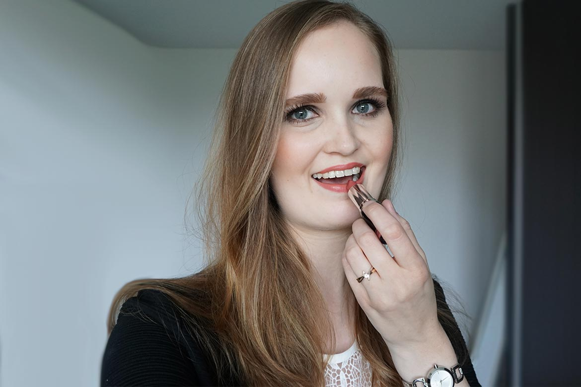 MUA-makeup-academy-lipstick-shade-11-review-look2