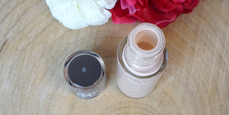 Revlon-colorstay-Foundation-Dry-Skin-110-Ivory-review-3