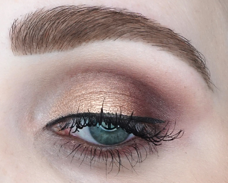Anastasia-Beverly-Hills-ABH-Norvina-palette-review-look-natural-5