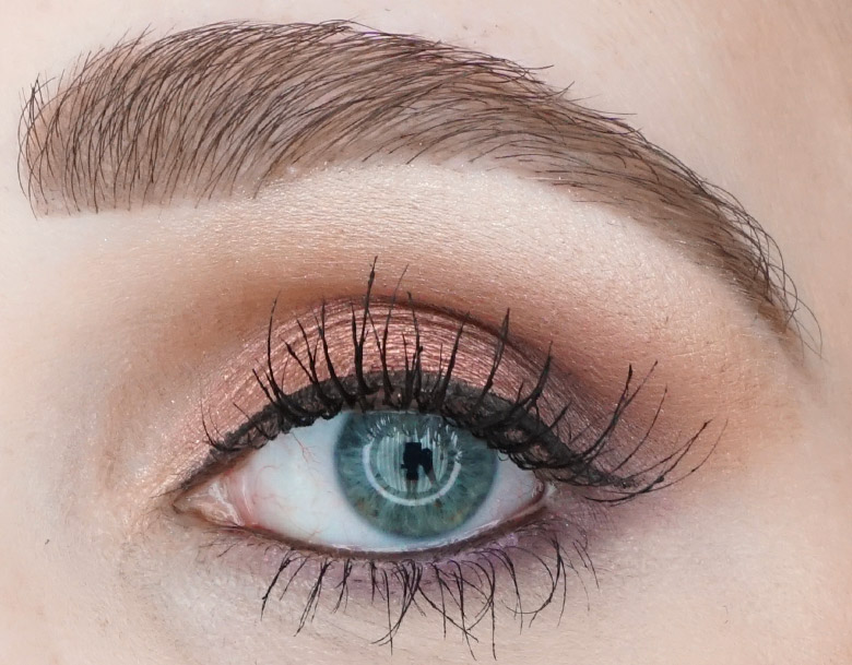 Anastasia-Beverly-Hills-ABH-Norvina-palette-review-look-pink-2