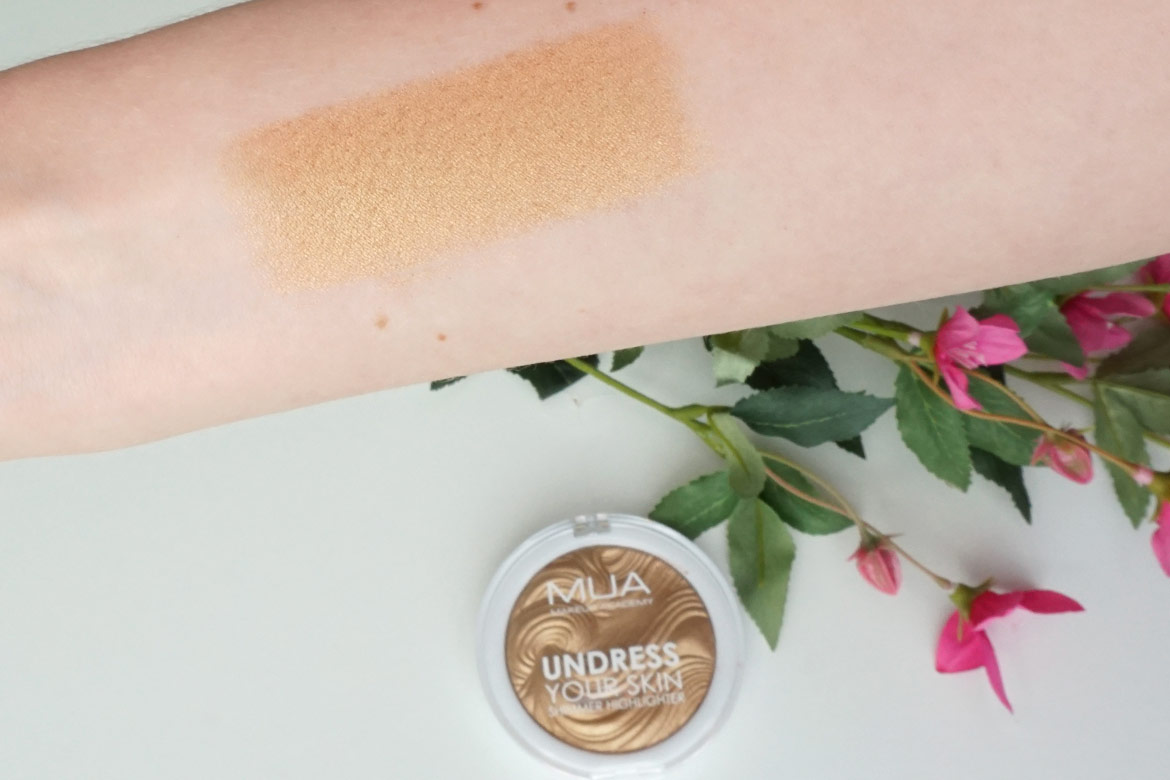 MUA-undress-your-skin-shimmer-highlighter-review-golden-afterglow-swatch