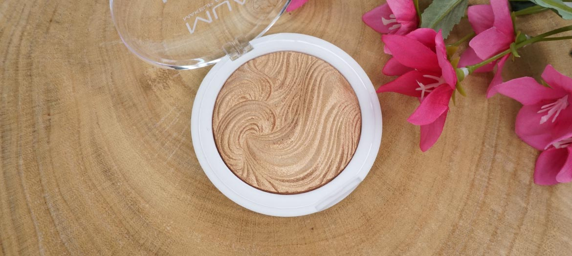 MUA-undress-your-skin-shimmer-highlighter-review-golden-afterglow