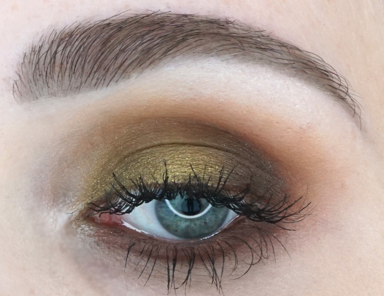 Morphe-x-Jaclyn-Hill-The-Vault-armed-and-gorgeous-review-look1.1