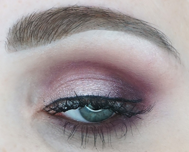 Morphe-x-Jaclyn-Hill-The-Vault-bling-boss-review-look-1.7