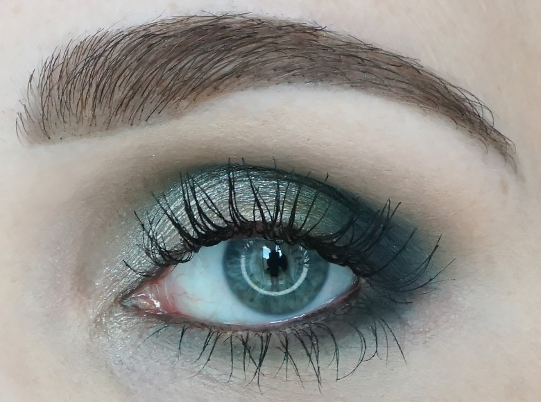 Morphe-x-Jaclyn-Hill-The-Vault-dark-magic-review-look2.3