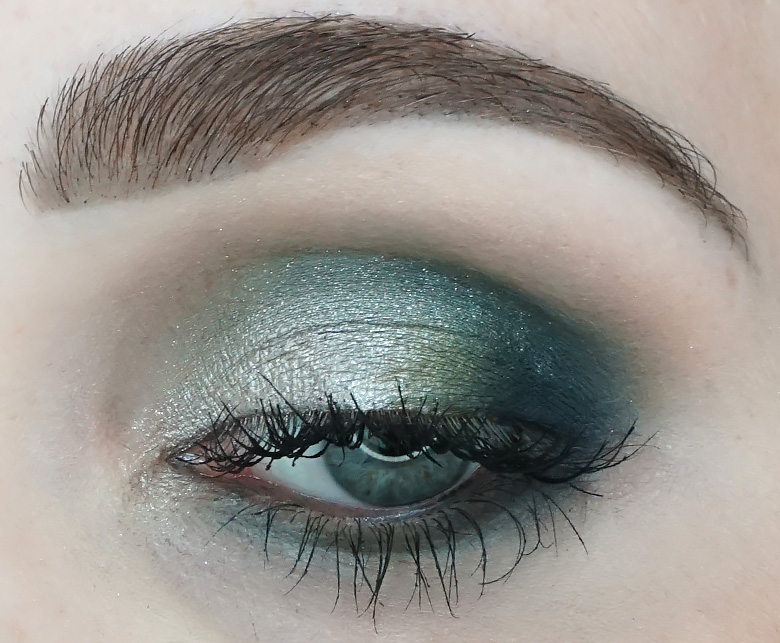 Morphe-x-Jaclyn-Hill-The-Vault-dark-magic-review-look2.4