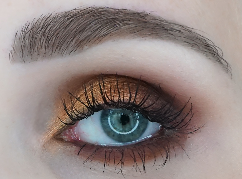 Morphe-x-Jaclyn-Hill-The-Vault-ring-the-alarm-review-look1.3