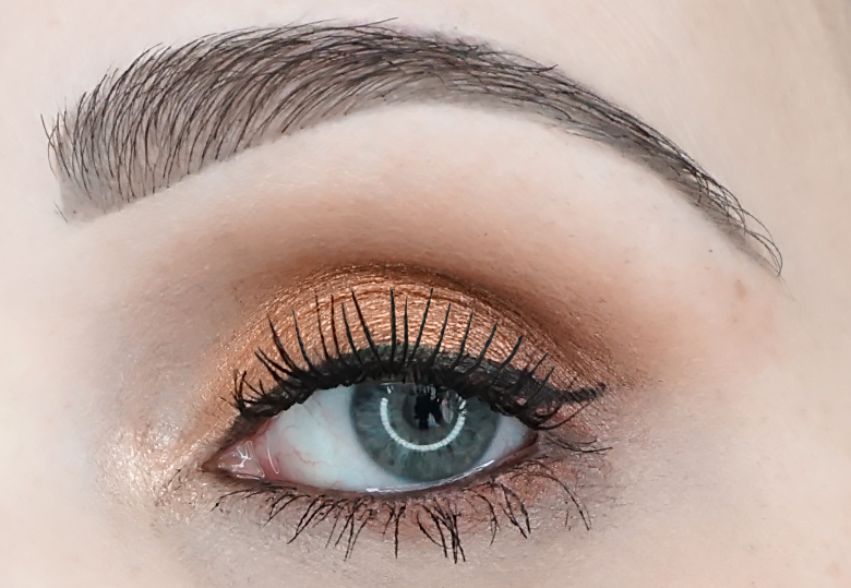 I-heart-makeup-Revolution-24k-Gold-palette-review-look-4.1