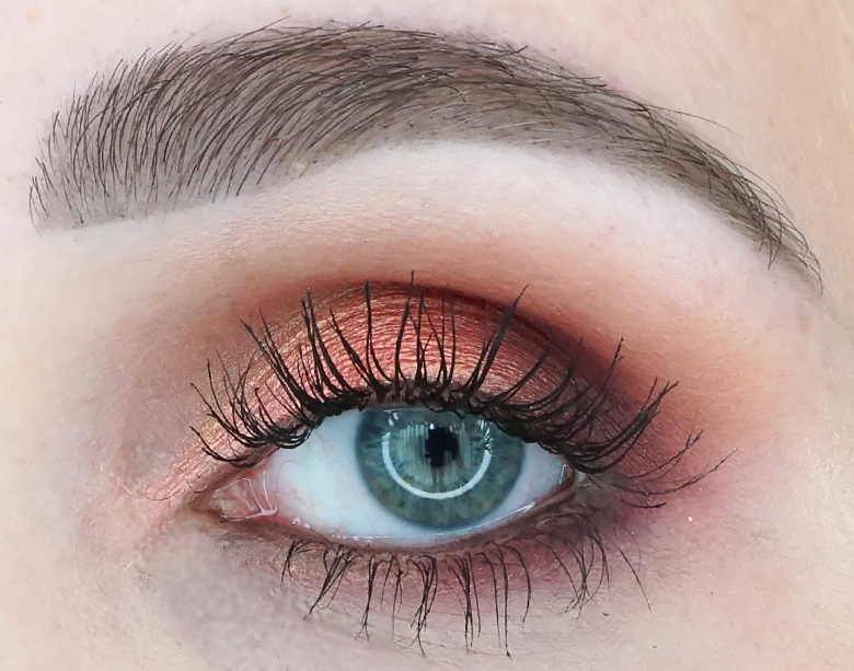 Morphe-x-Jaclyn-Hill-The-Vault-ring-the-alarm-review-look1.6