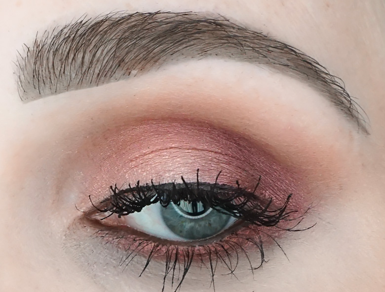 Urban-Decay-naked-cherry-palette-review-look-2
