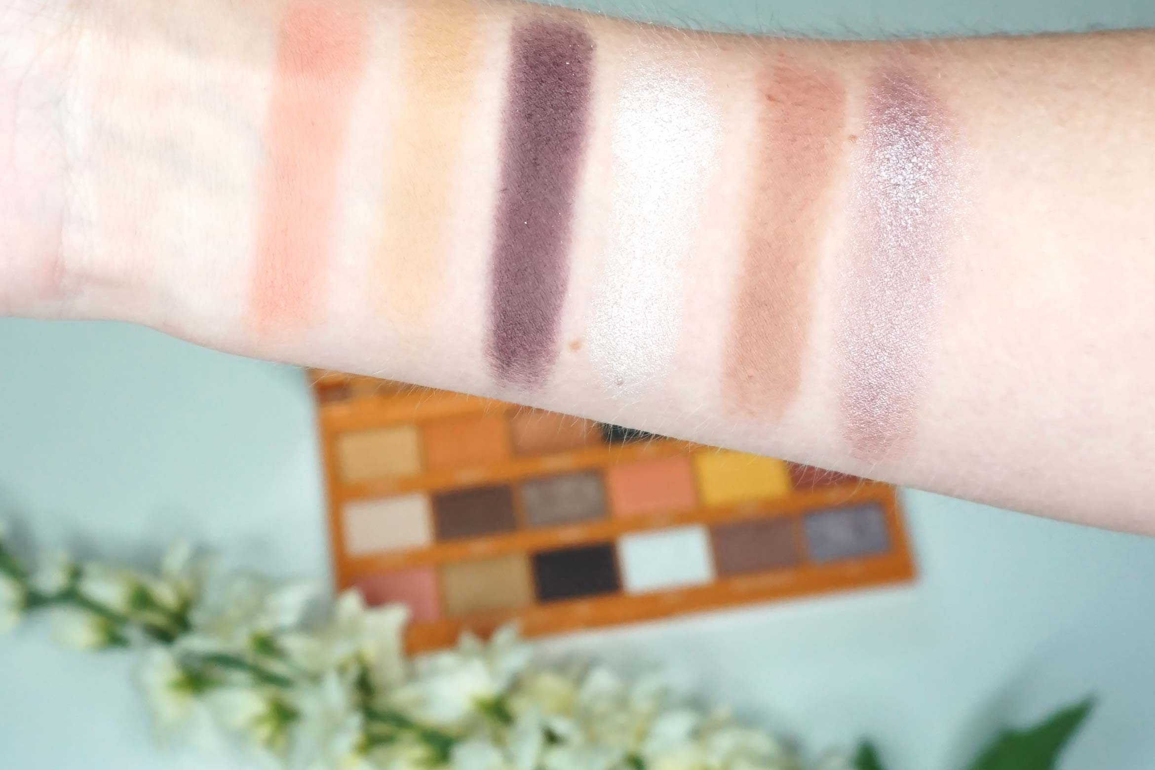 i-heart-revolution-peanut-butter-cup-review-swatch-2