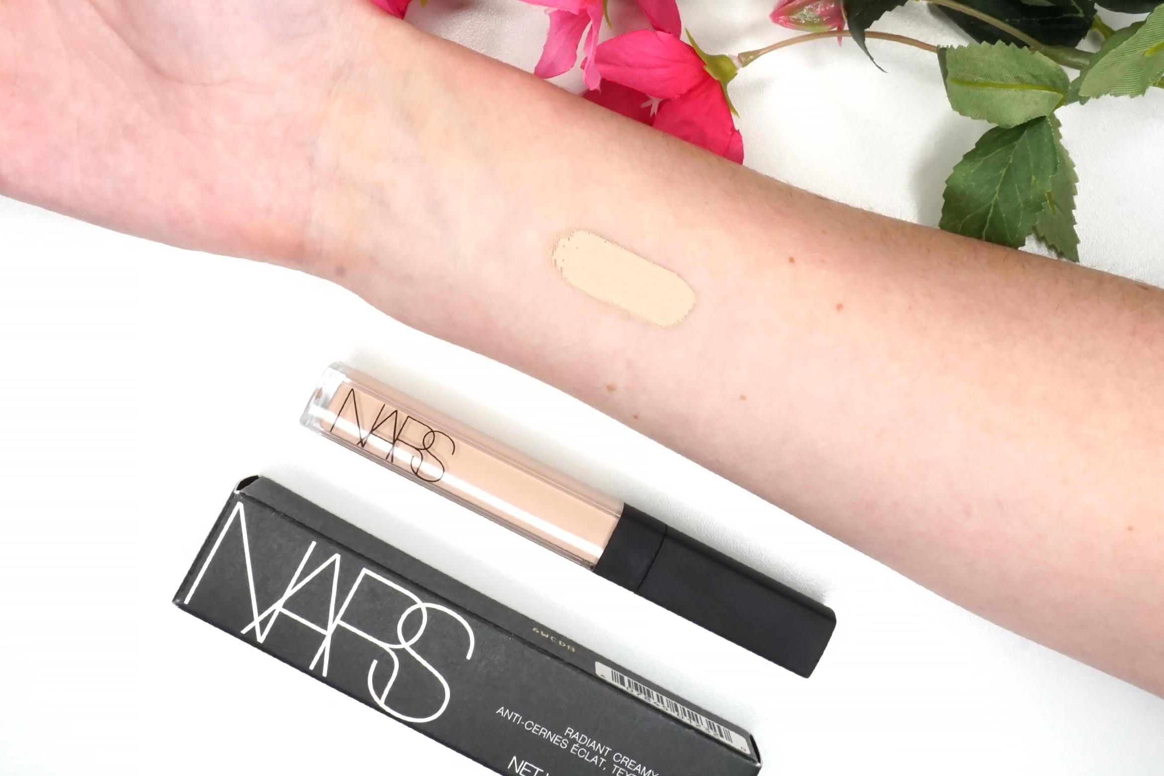 Nars-radiant-creamy-concealer-review-swatch-light-2-vanilla-1