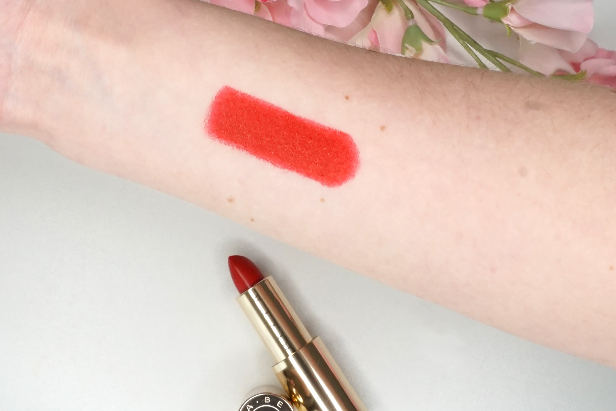 becca-x-khloe-lipstick-brave-swatch-review