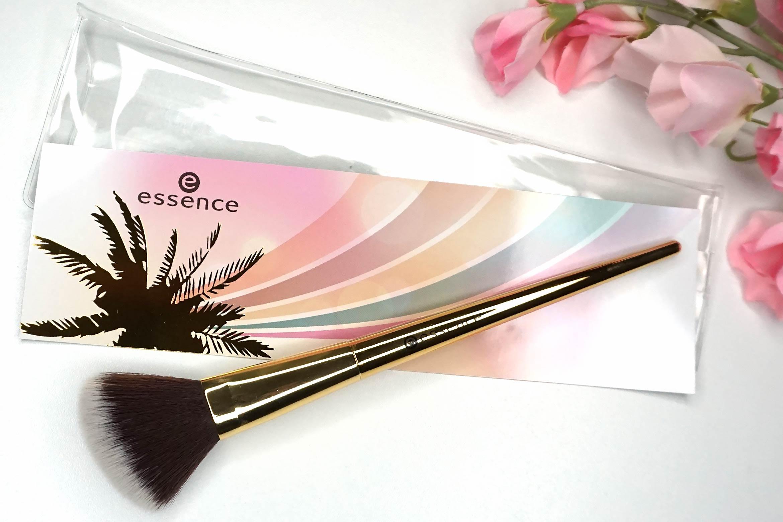essence-sun-sand-golden-rainbows-face-brush-review
