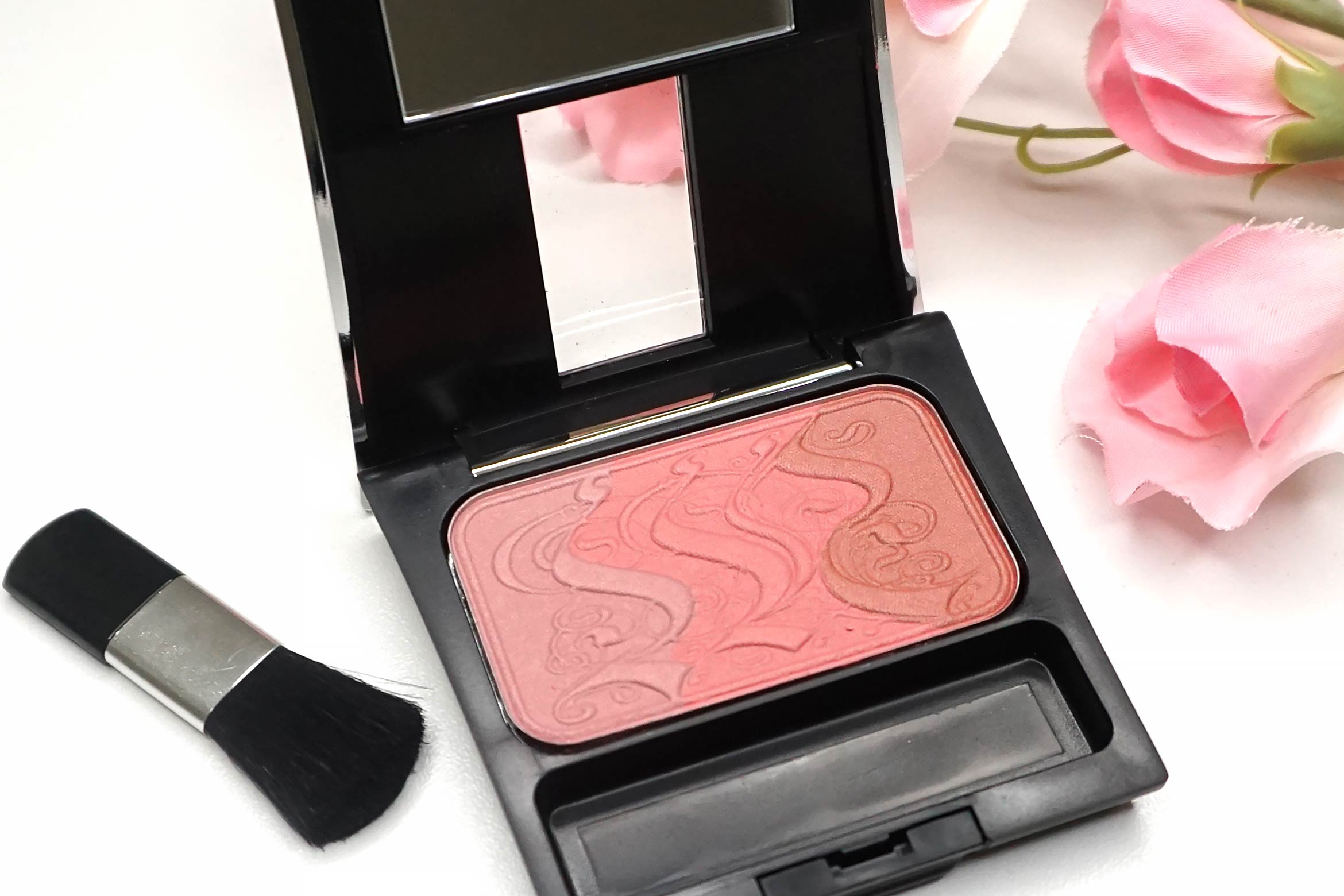 make-up-factory-rosy-shine-blusher-14-review-3