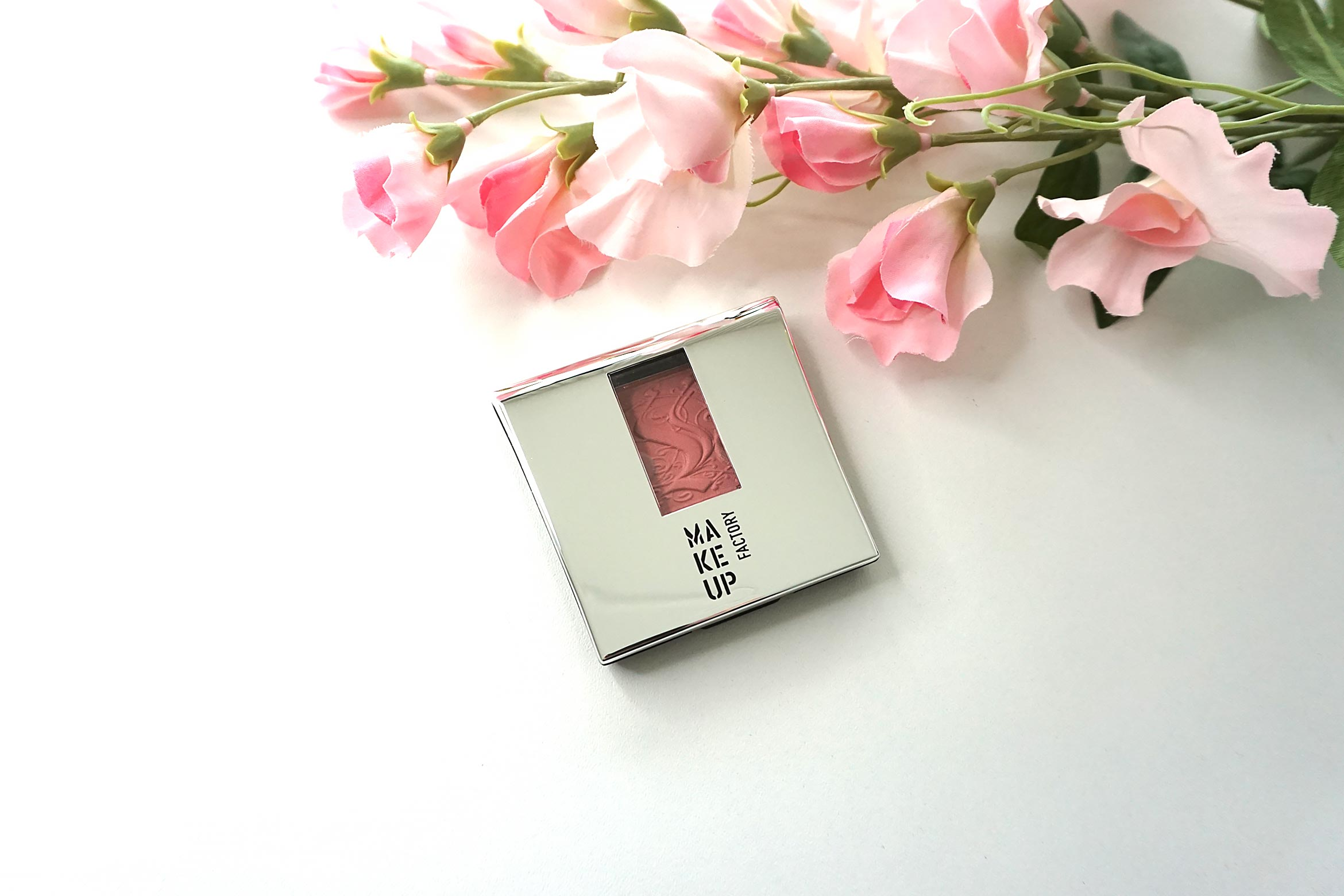 make-up-factory-rosy-shine-blusher-14-review