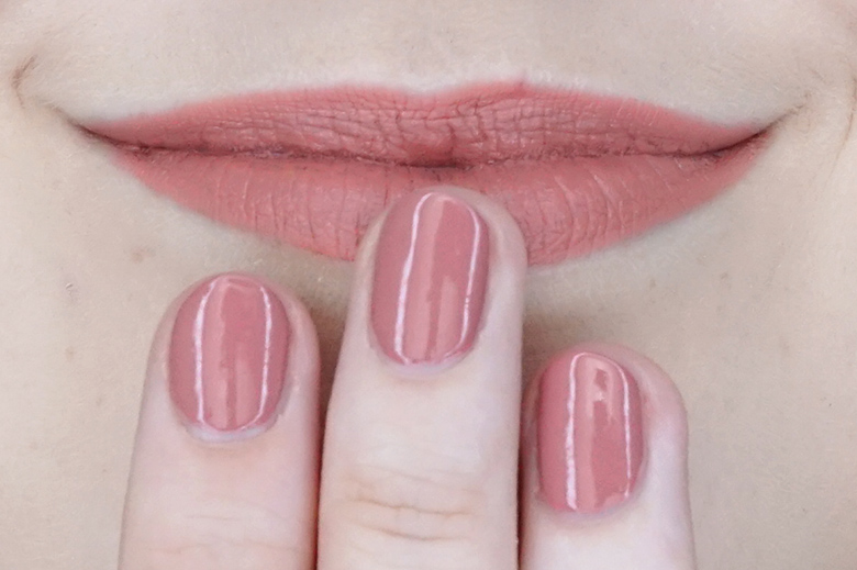 essence-this-is-me-01-freaky-swatch