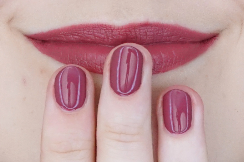 essence-this-is-me-04-crazy-swatch