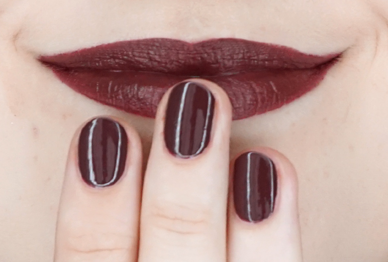 essence-this-is-me-07-enough-swatch