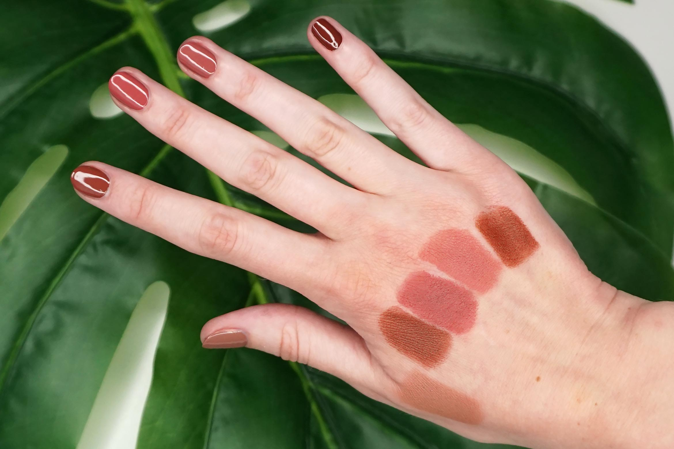 essence-this-is-me-tan-swatch