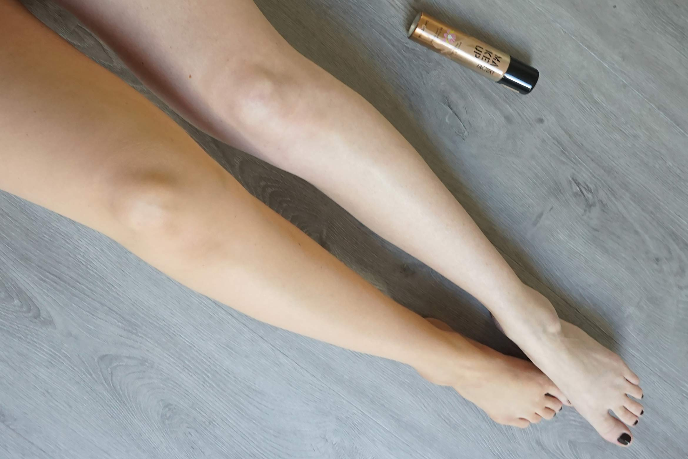 make-up-factory-satin-leg-finish-review-look-1
