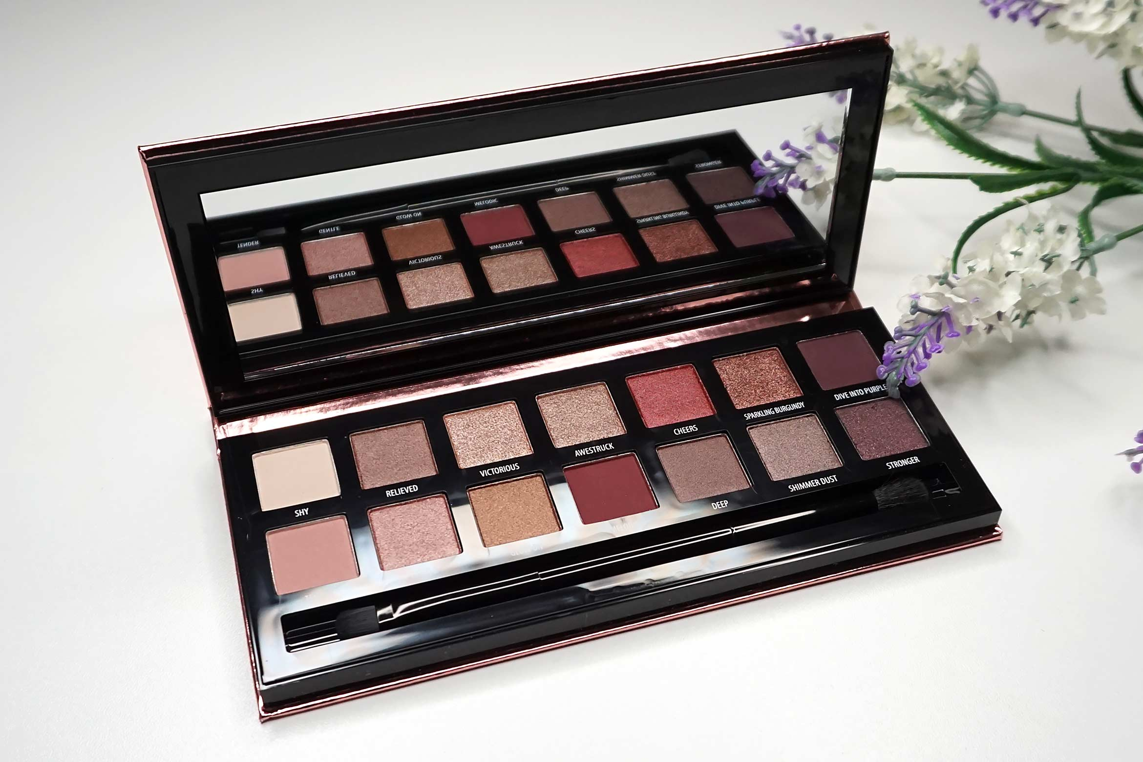 douglas-pink-nudes-eyeshadow-palette-review-1