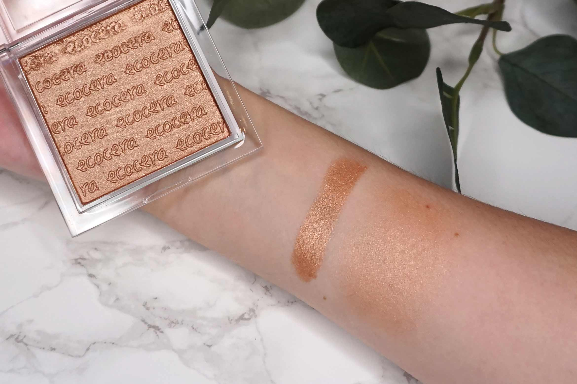 Ecocera-india-bronzer-swatch-review