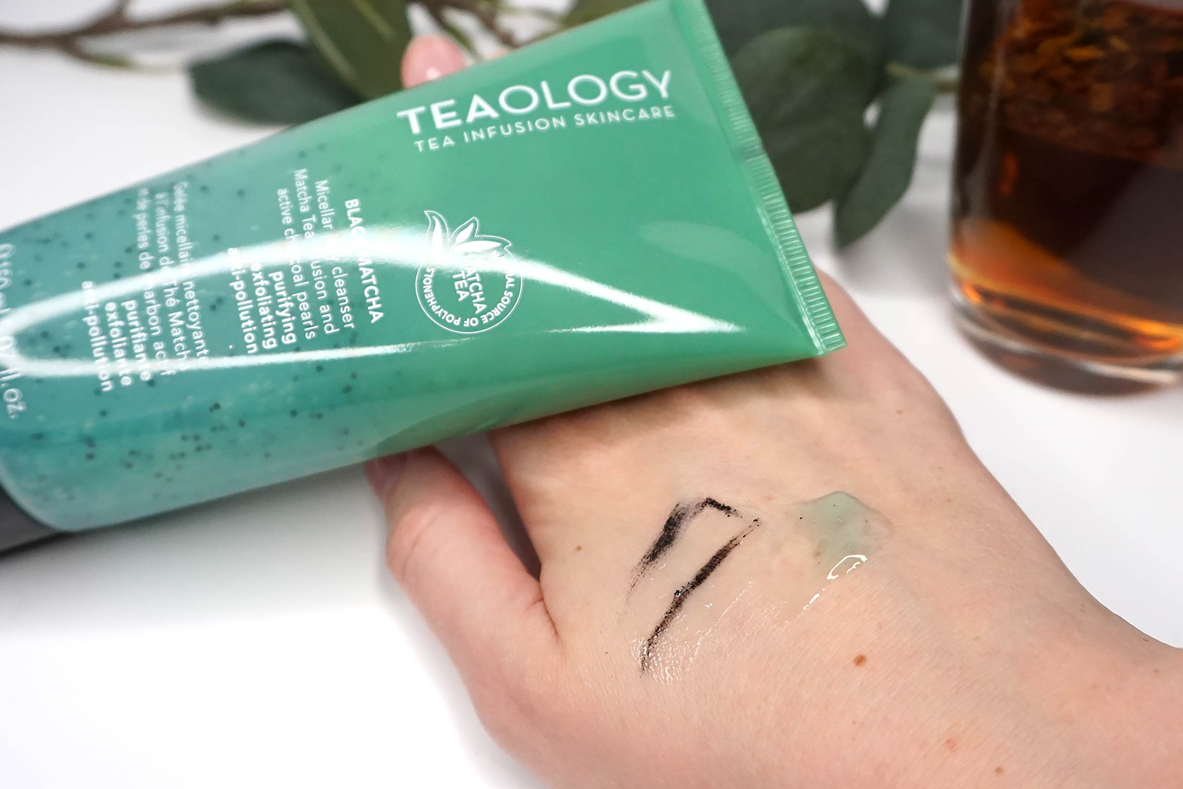 Teaology-Black-Matcha-Micellar-Jelly-reinigingsgel-review-3