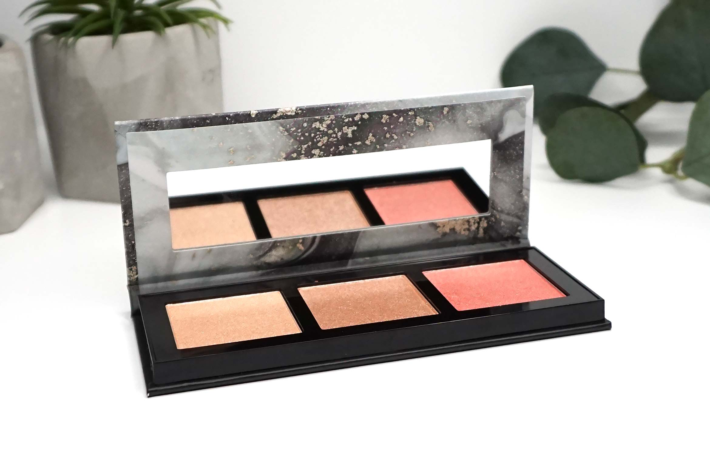 catrice-luminice-010-rose-vibes-only-highlight-blush-palette-review-1