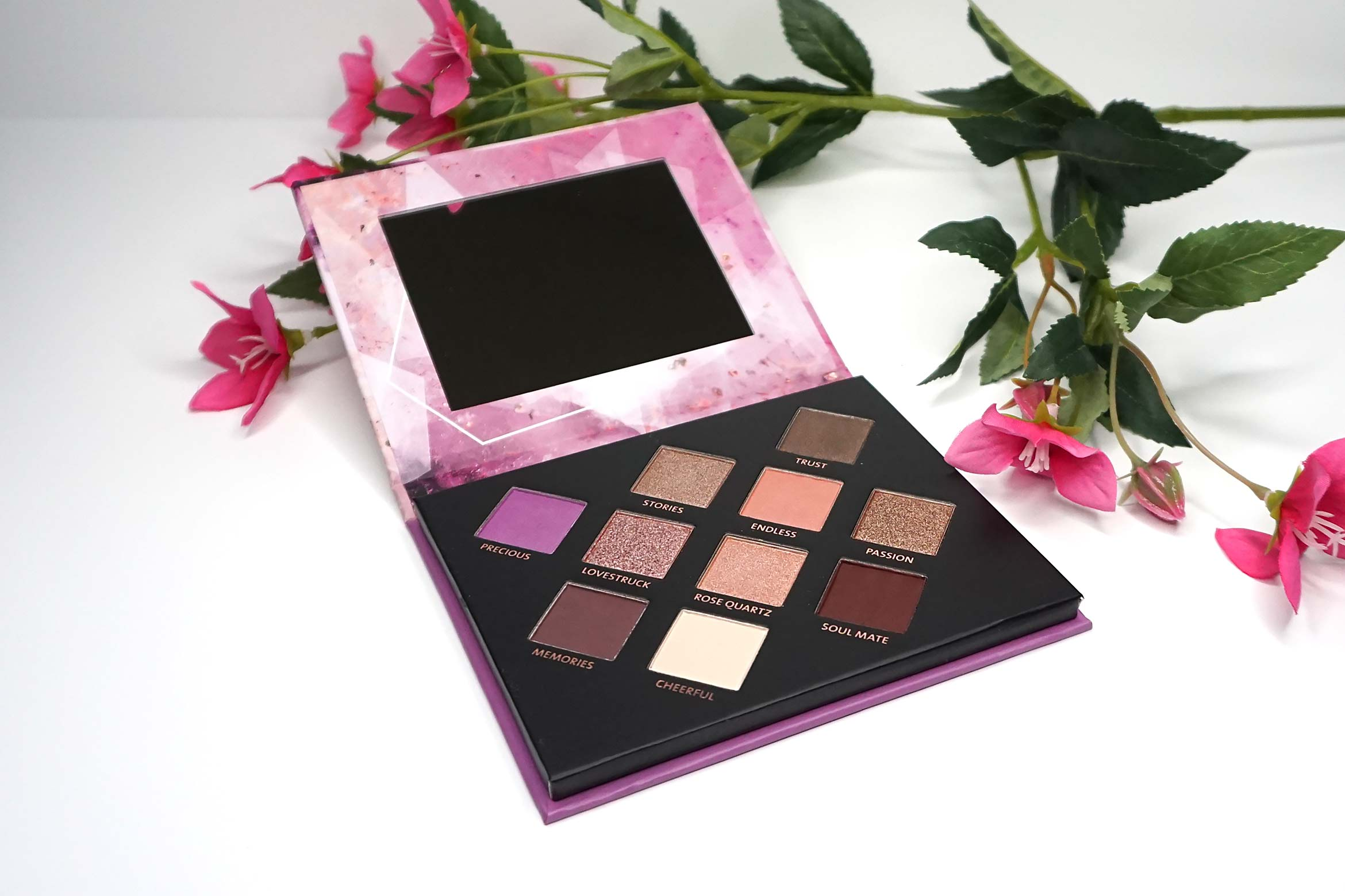 catrice-sister-of-my-soul-crystallized-eyeshadow-palette-review-2