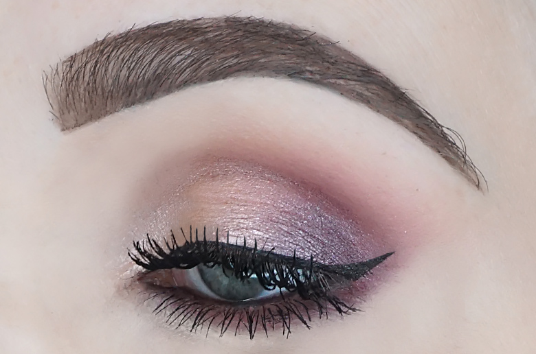 catrice-sister-of-my-soul-crystallized-eyeshadow-palette-review-look-1.3