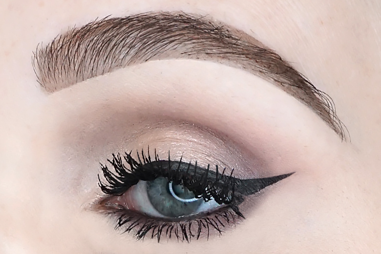 lottie-london-stamp-liner-wing-edition-look-review