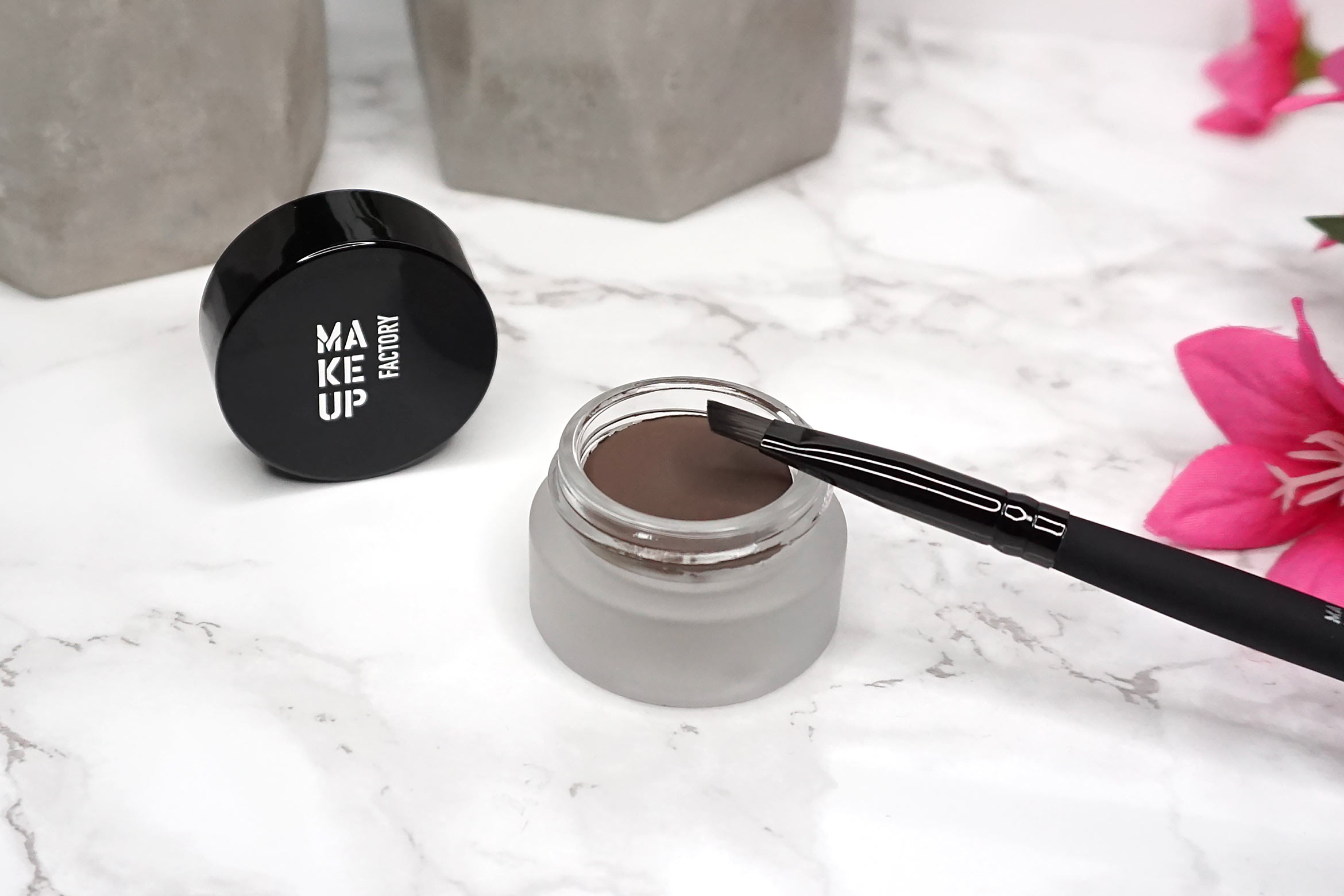 make-up-factory-ultra-stay-brow-cream-review