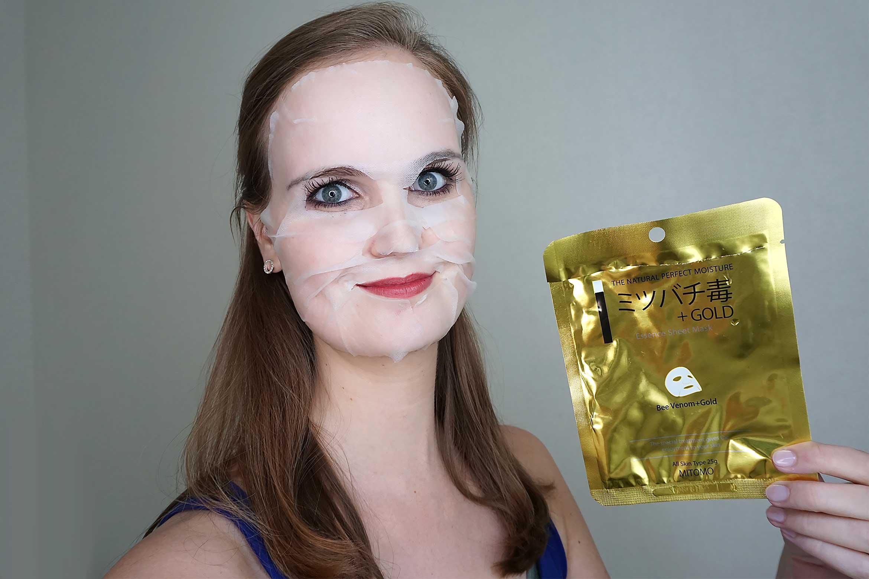 mitomo-gold-bee-venom-sheet-mask-review-4