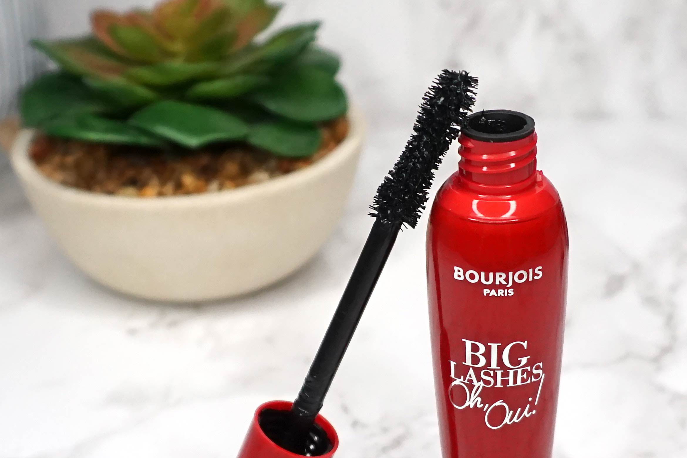 Bourjois-big-lashes-oh-oui-mascara-review-1