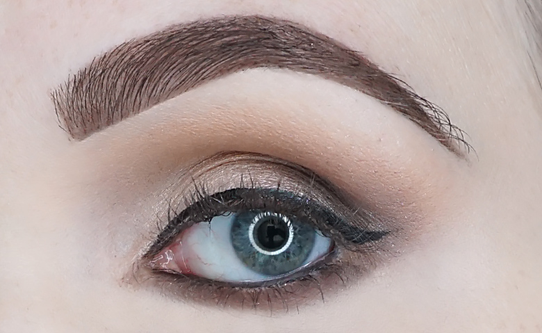 Bourjois-big-lashes-oh-oui-mascara-review-look-4