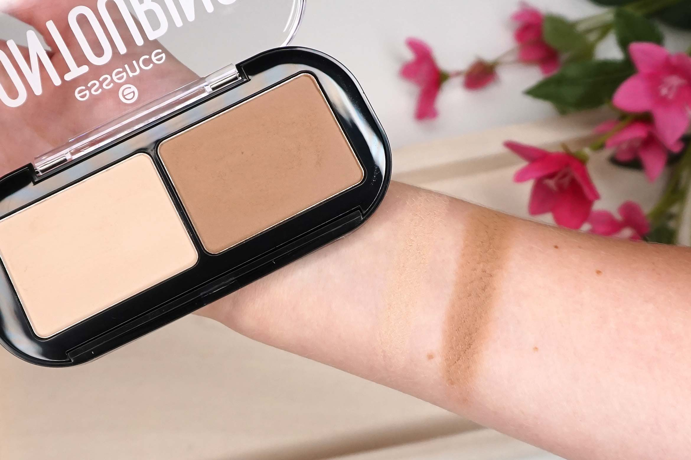 essence-contouring-duo-palette-10-lighter-skin-swatch-review