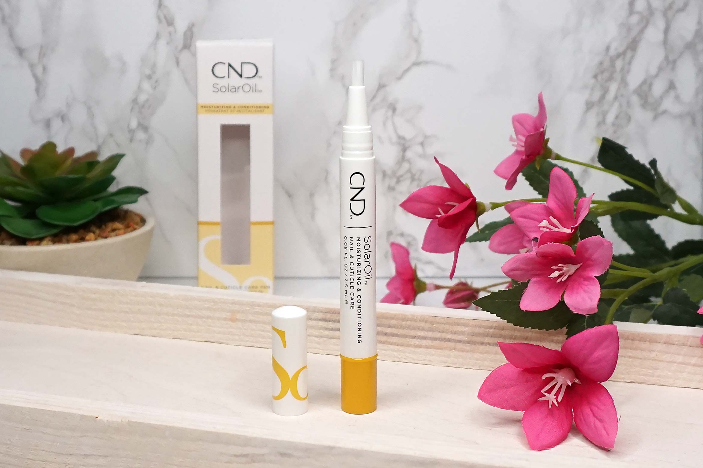 CND-solaroil-Nail-Cuticle-Care-Pen-review-1