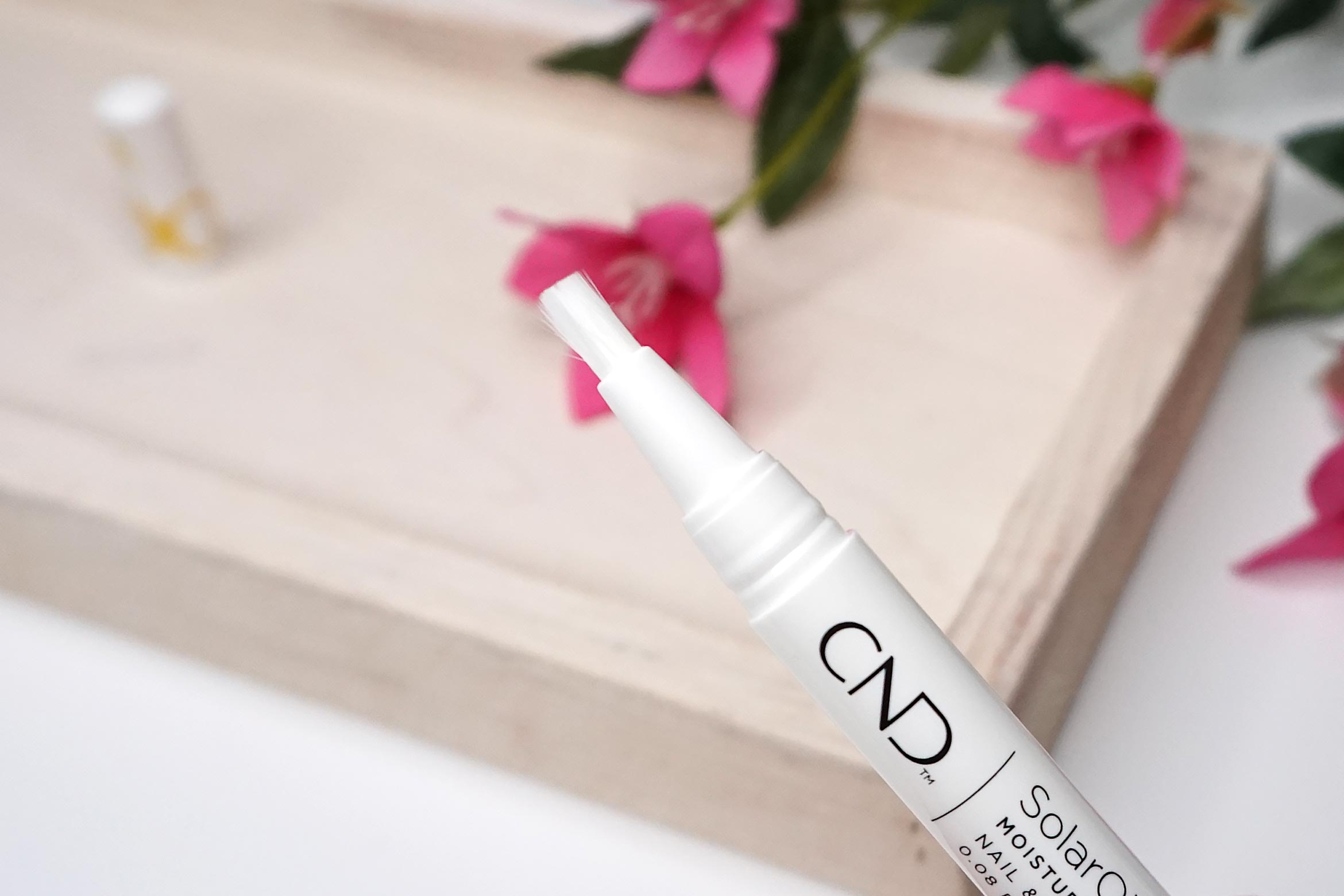 CND-solaroil-Nail-Cuticle-Care-Pen-review-2
