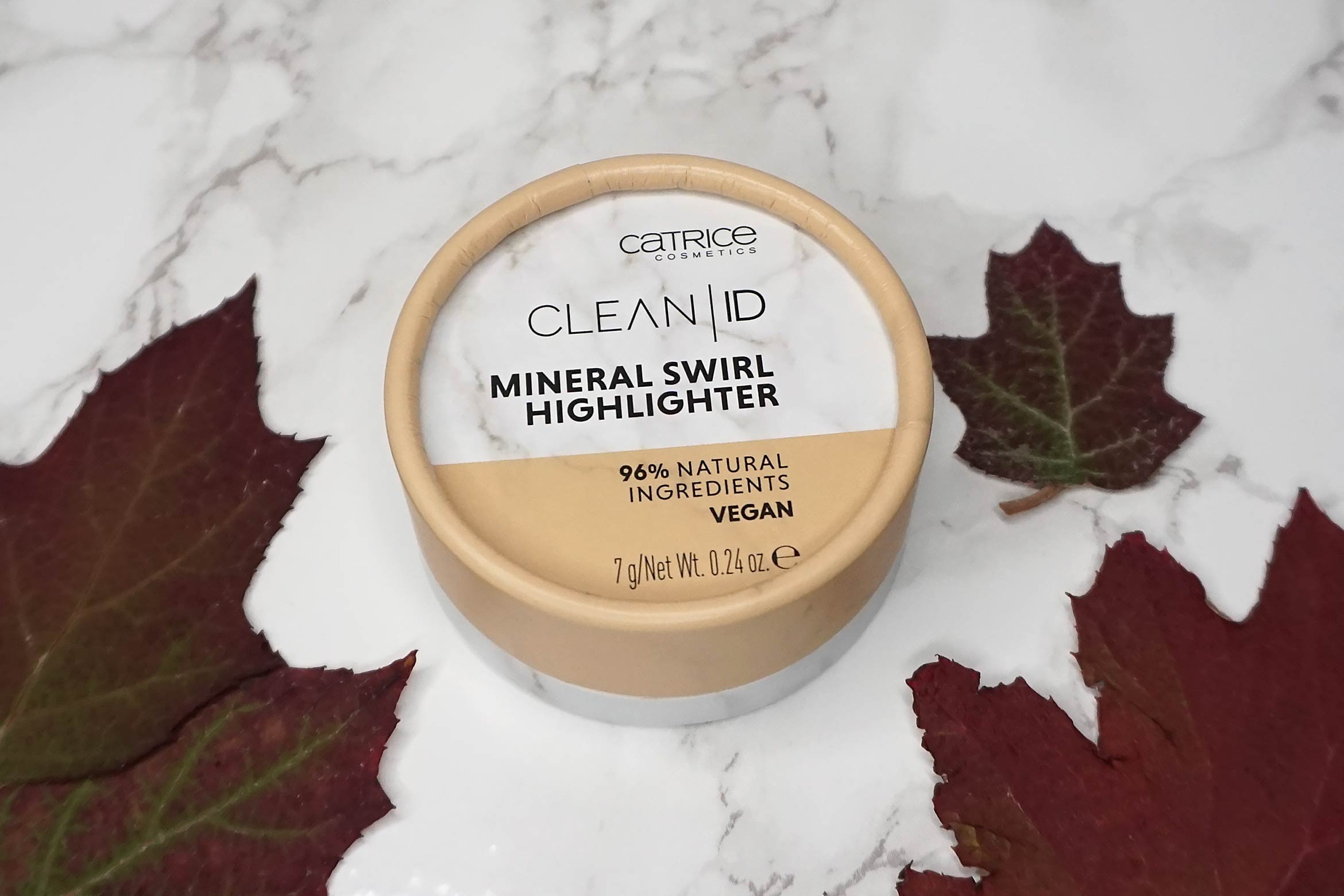 catrice-clean-id-mineral-swirl-highlighter-review-1